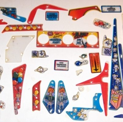 Funhouse Plastics Set
